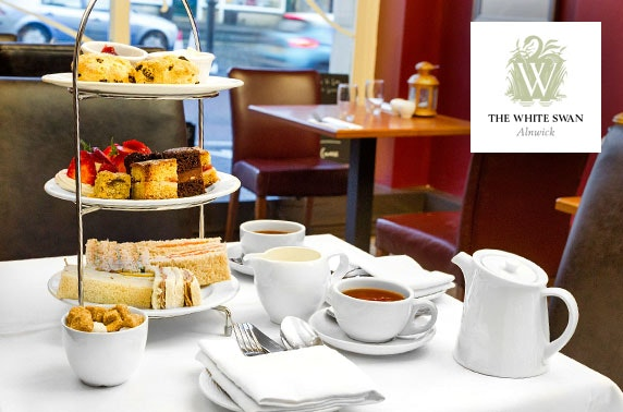 The White Swan deluxe afternoon tea, Alnwick