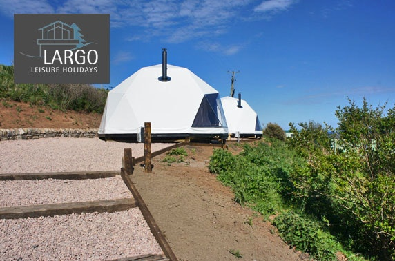 Beach view glamping, Crail