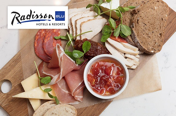 Sharing platters & wine, Radisson Blu Royal Mile