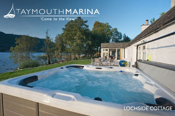 Taymouth Marina group stay with hot tub