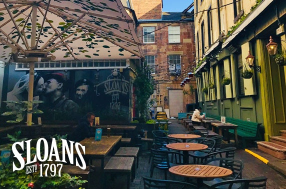 Festive drinks and mince pies in Sloans' courtyard