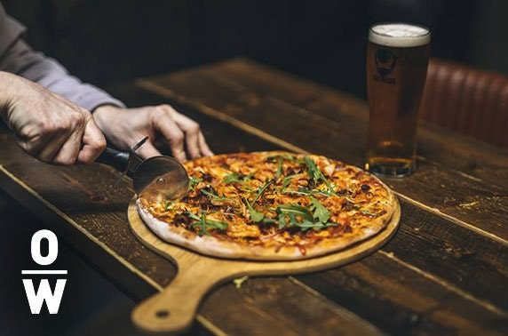 Pizza & drinks at The Overworks Tap Room, Ellon