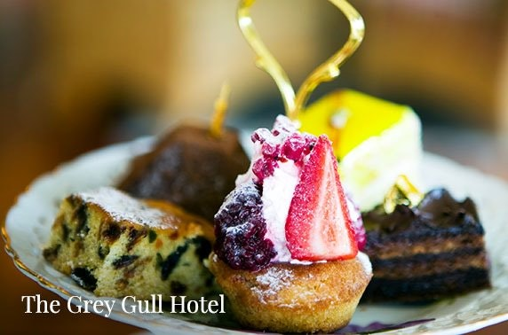 The Grey Gull Hotel sparkling afternoon tea, Loch Fyne