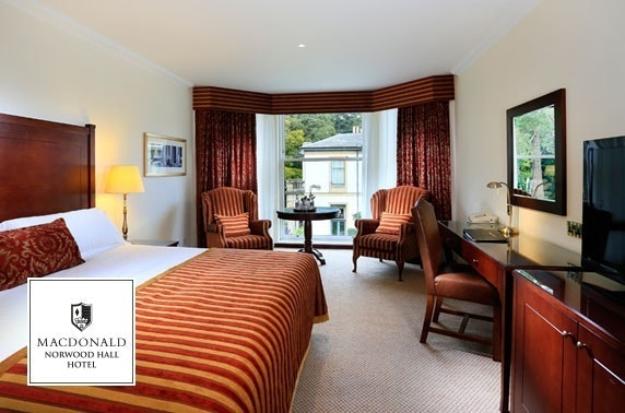 4* Macdonald Norwood Hall Hotel tribute night